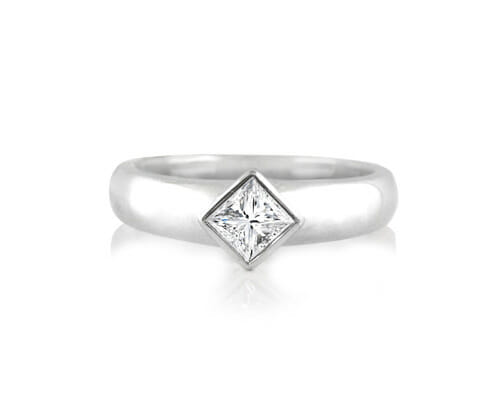 Solitaire Diamond Engagement Ring 014