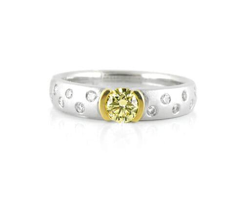 Fancy Coloured Diamond Rings 3
