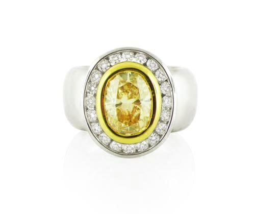 Fancy Coloured Diamond Rings 7