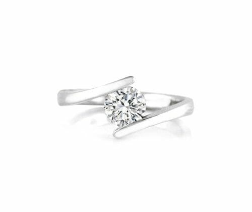Solitaire Diamond Engagement Ring 010