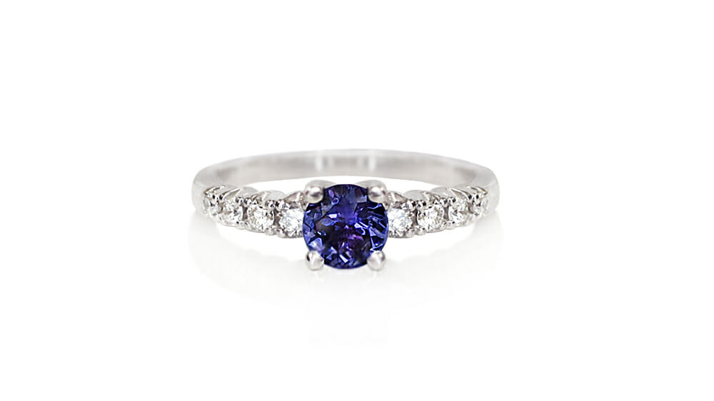 Tanzanite & Diamond Ring | Tanzanite ring with diamonds on the band.