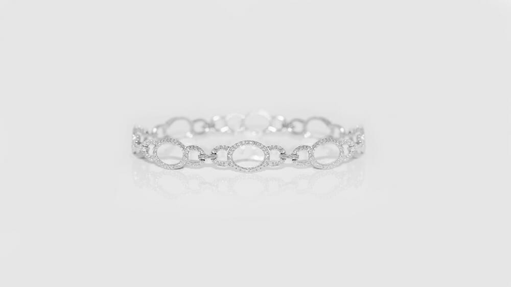 Oval Shaped Bracelet | Oval Shaped bracelet with diamonds.