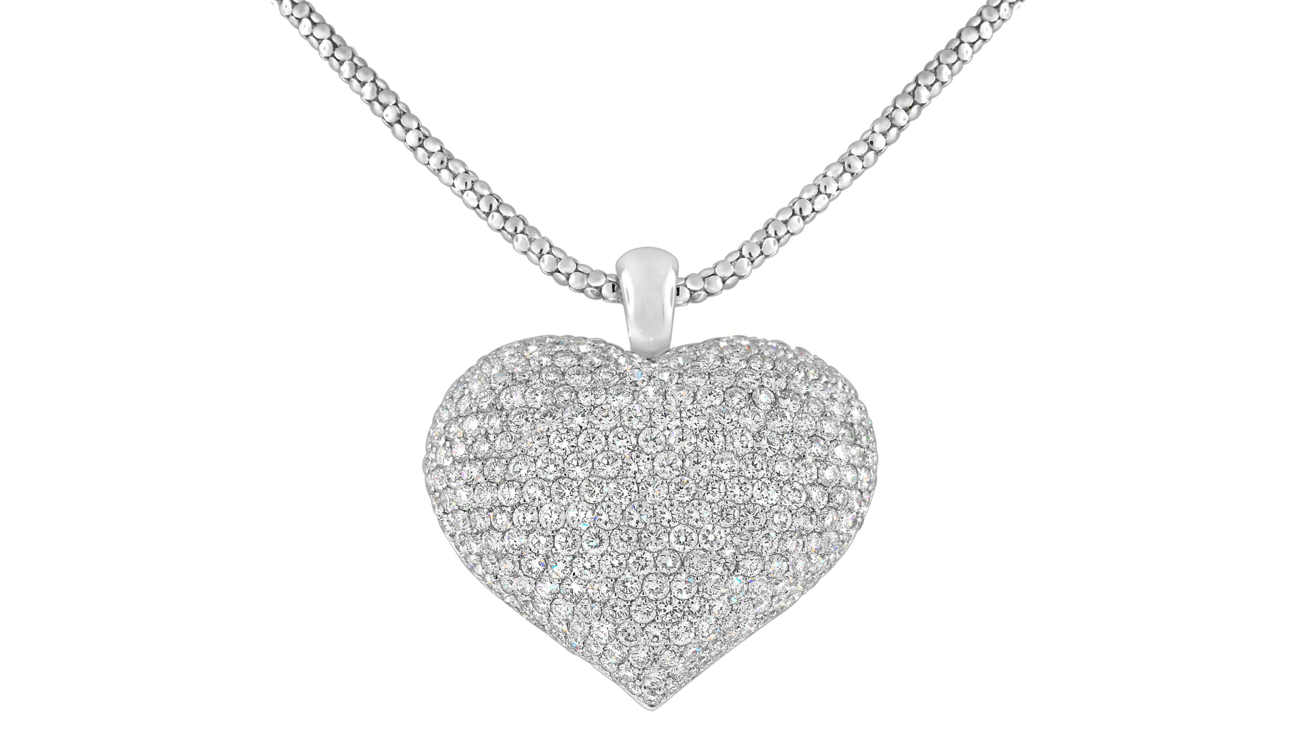 Pavé Heart Diamond Pendant