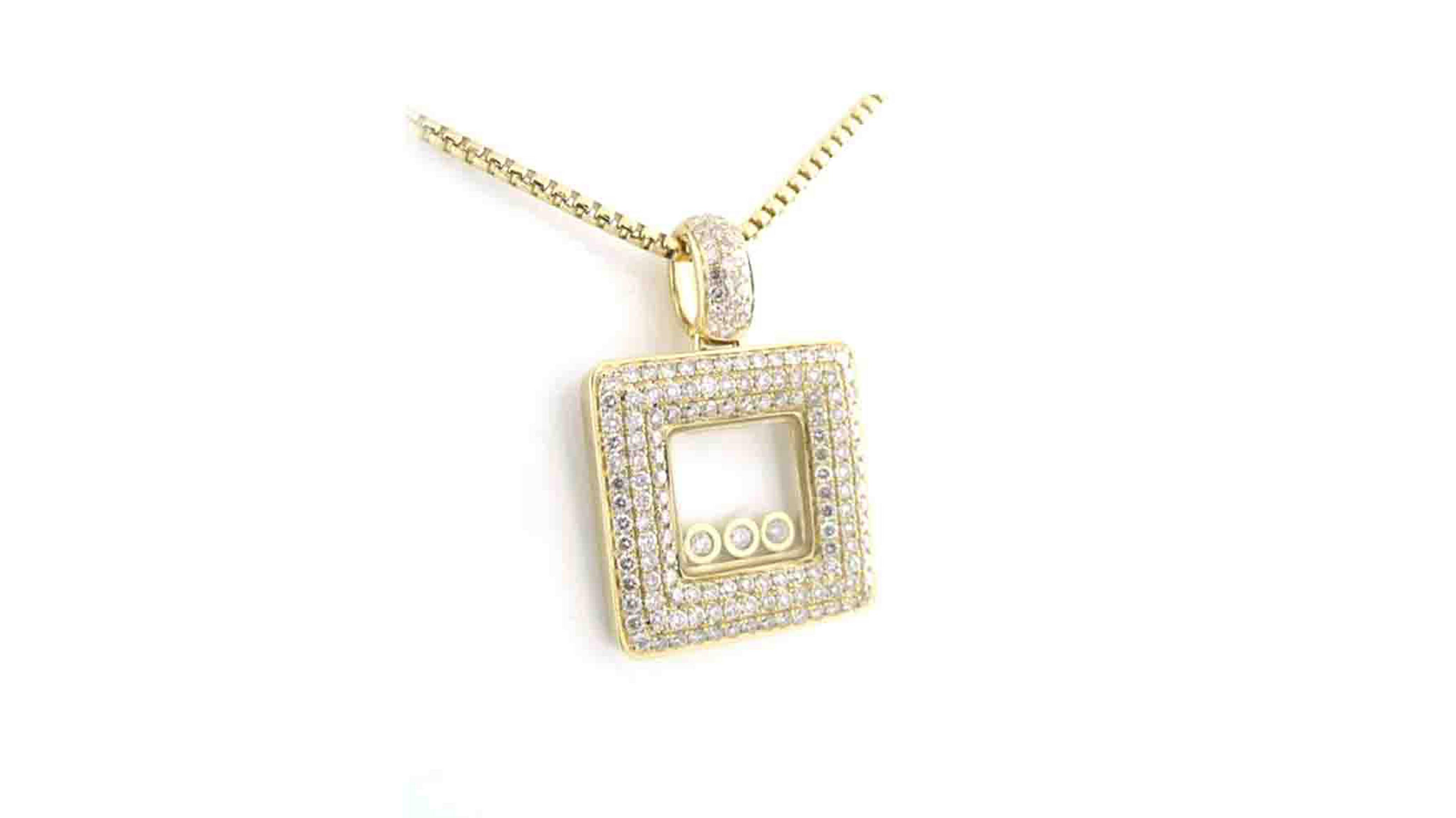 Yellow gold enchanted square, 3 diamond, diamond pendant