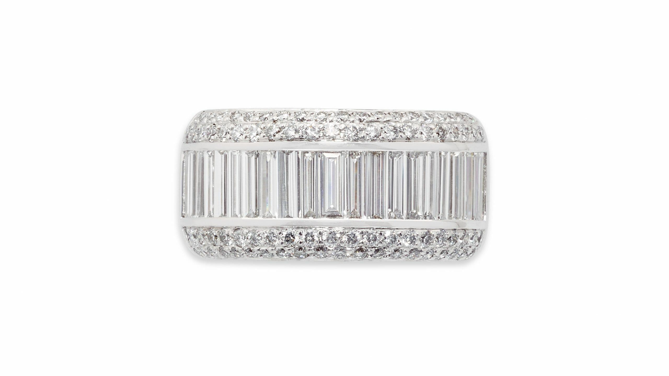 Round & Baguette Diamond Dress Ring | 18ct White Gold Dress Ring