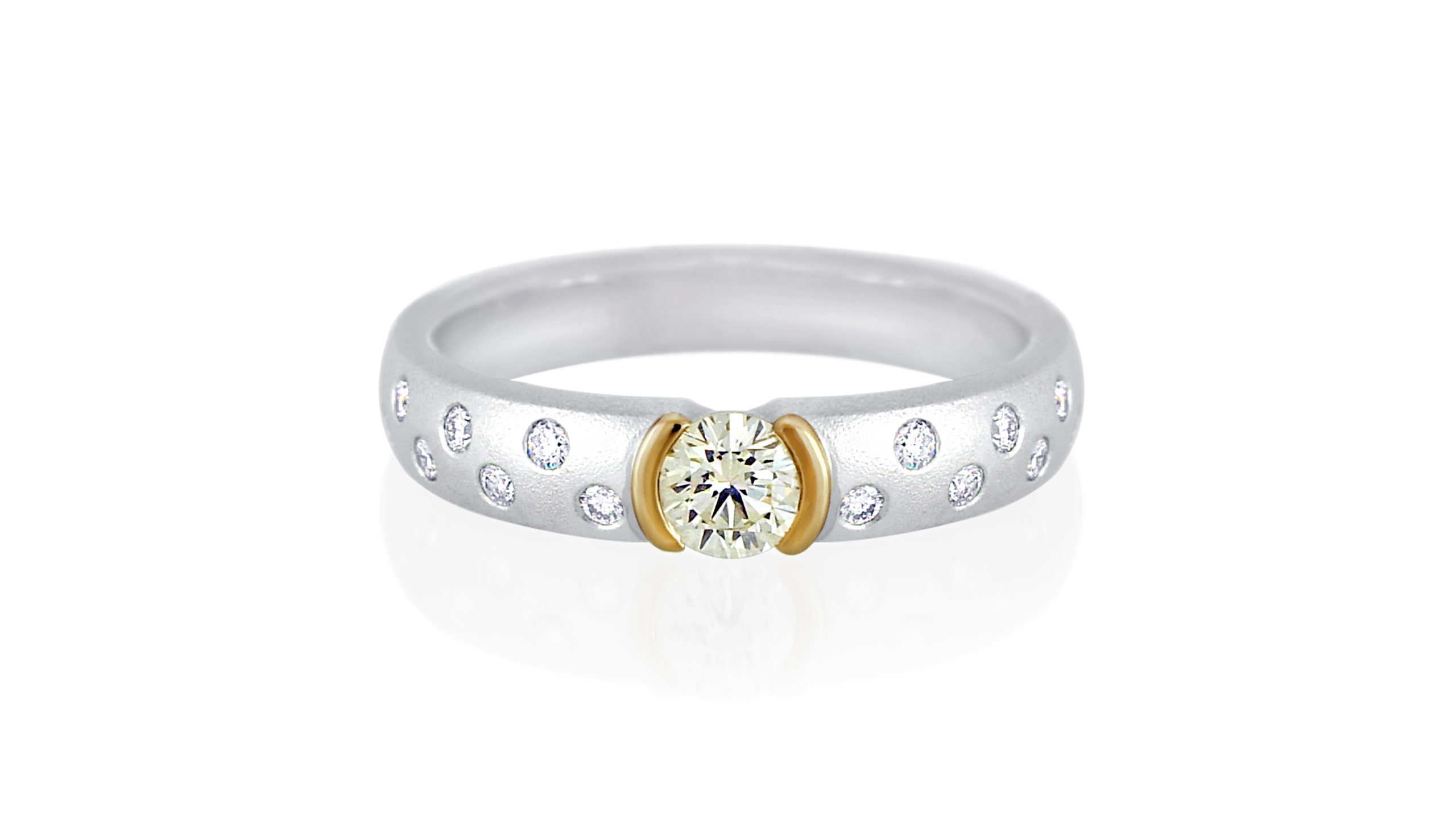 Cape Diamond Galaxy Ring | Handcrafted in 18 carat white and yellow gold