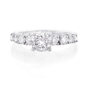diamond trellis claw ring | Diamond ring set in 18 carat white gold