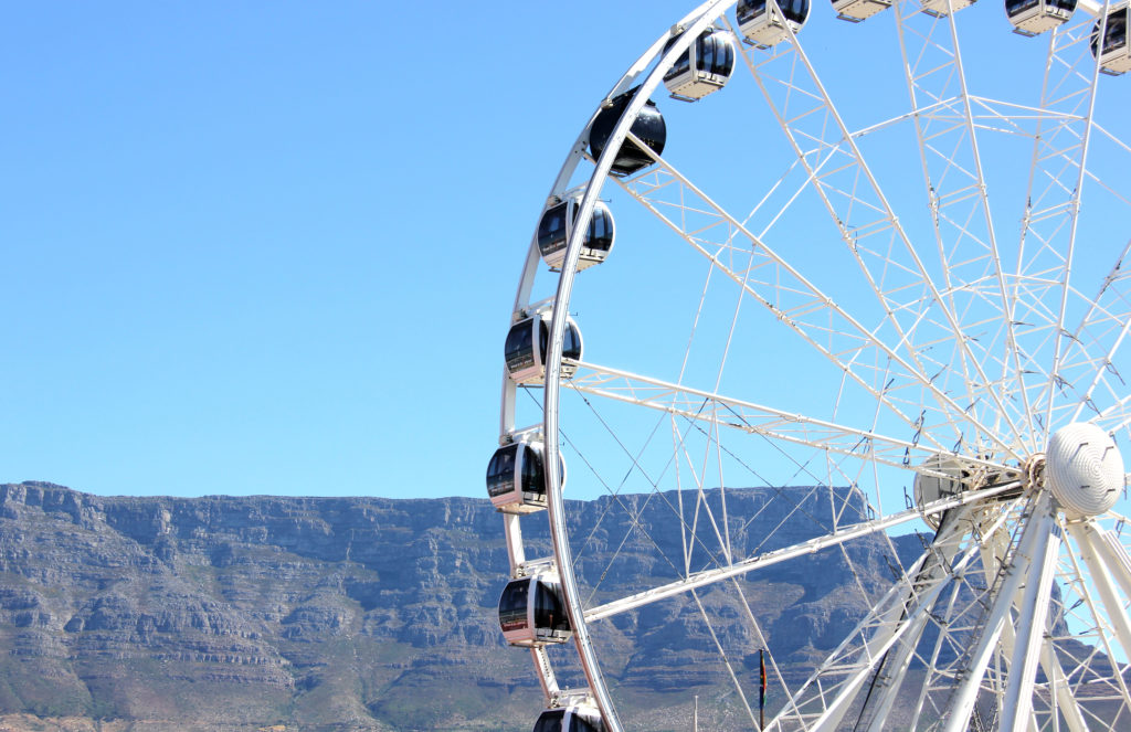Proposal Spots in Cape Town   Cape Wheel with Table Mountain view backdrop